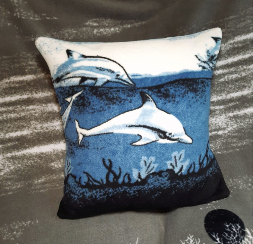 How to make a cushion using fleece