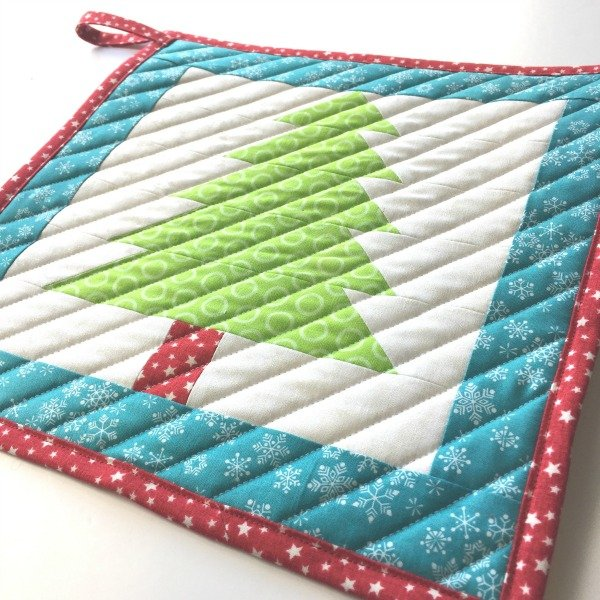 Sew a Christmas pot holder