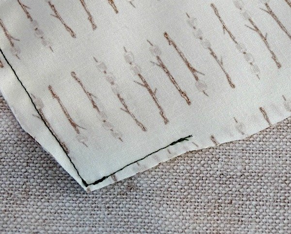 How to trim corners to reduce bulk when sewing