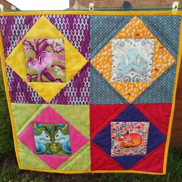 Econmy block mini quilt project