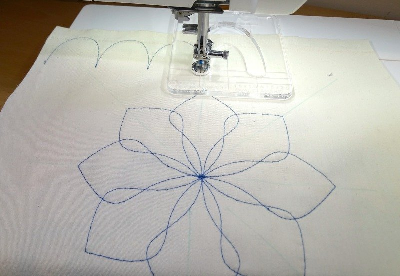 How to free motion quilt a flower design
