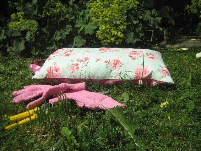 Garden kneeler pad sewing pattern free