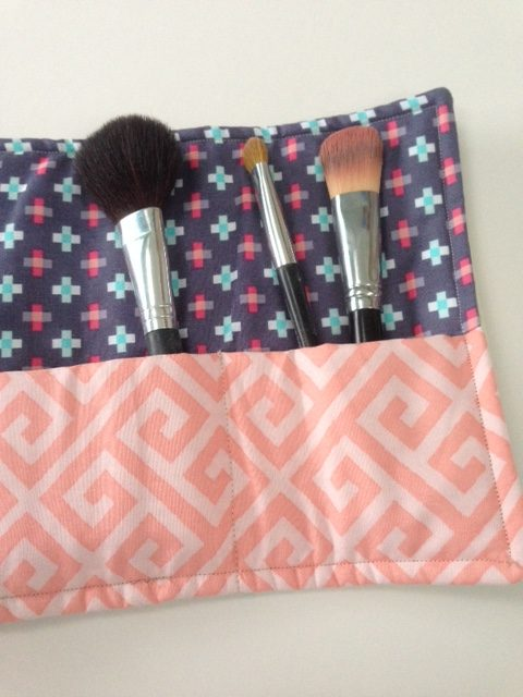 Sew a make-up brush roll
