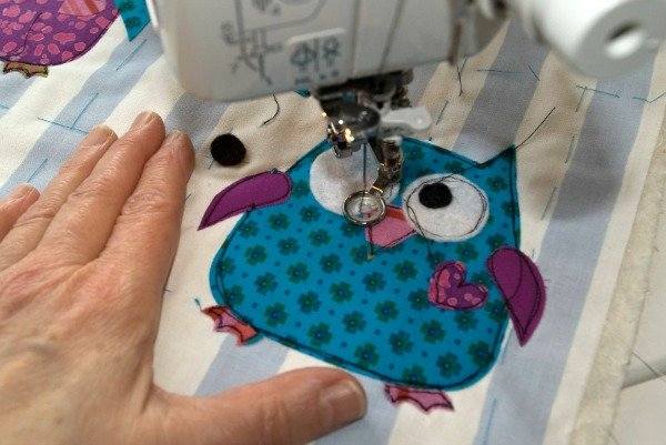 How to attach small pieces of fabric with applique