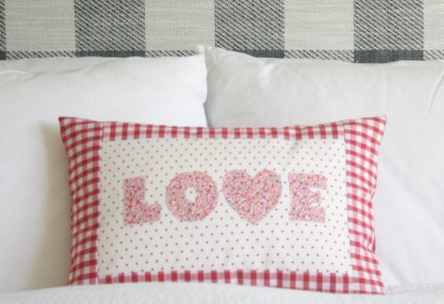Love themed applique cushion tutorial for beginners