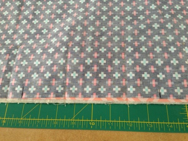 Sew a travel sewing roll