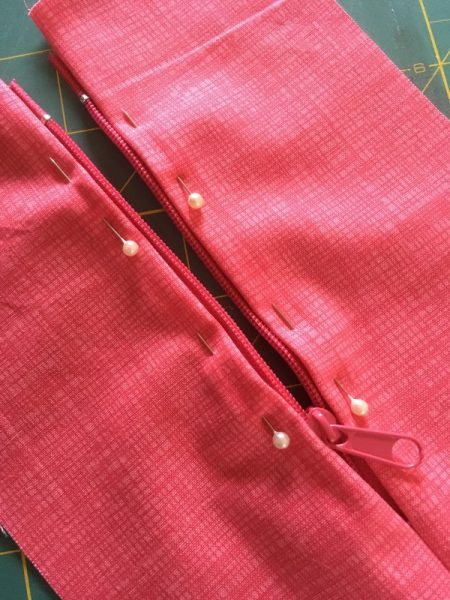 The easiest way to sew a zipper