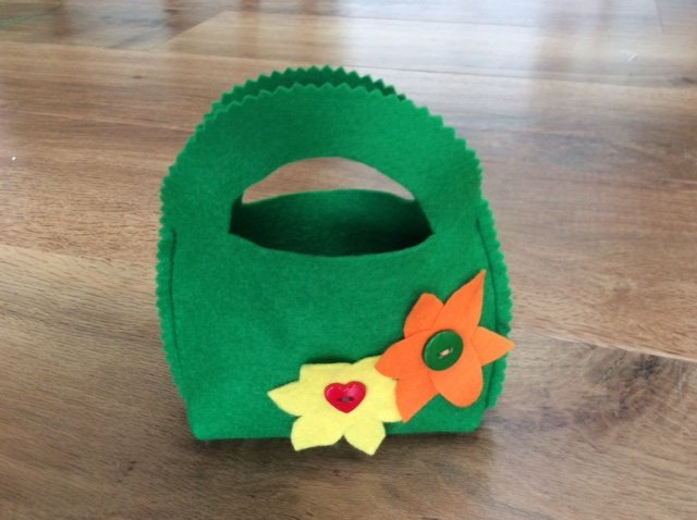 Easter egg collecting bag project