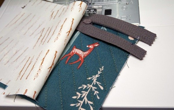 Sewing a small zippered purse