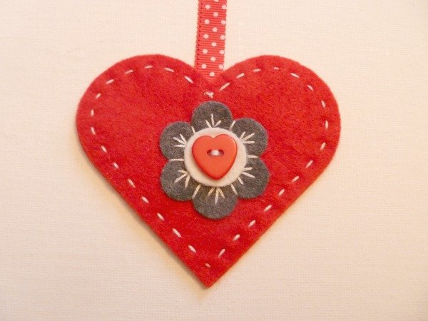 Make a felt heart ornament