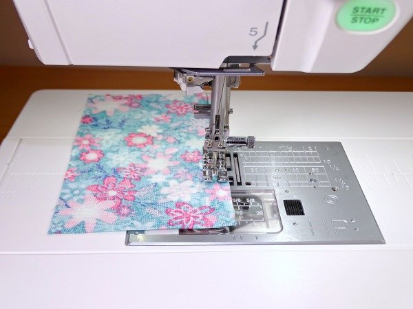 Using the Janome professional foot for precise quilt piecing
