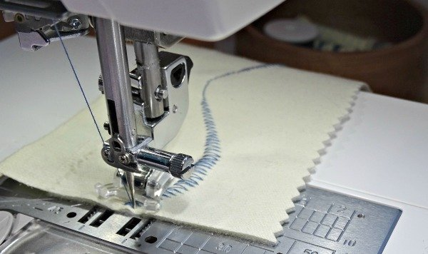 Variable zig zag sewing machine foot from Janome
