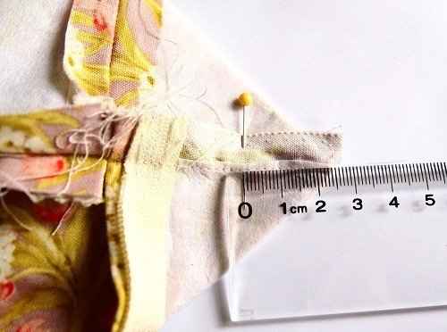 How to sew a zipped purse