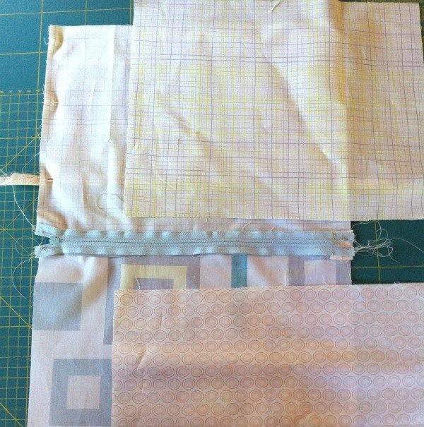 How to attach lining to a zip