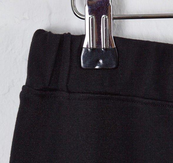 Adding an elastic waistband to a skirt