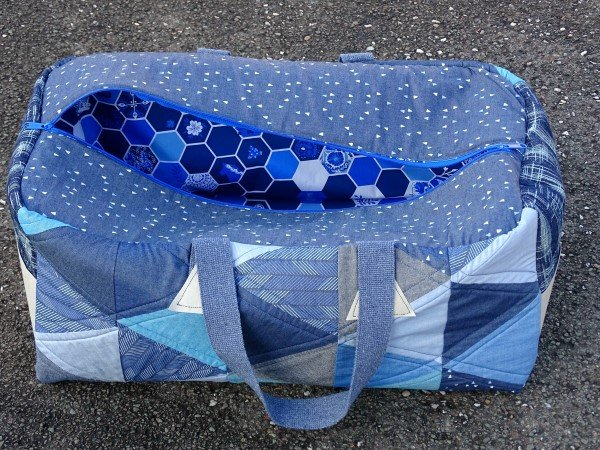 Easy duffle bag sewing pattern