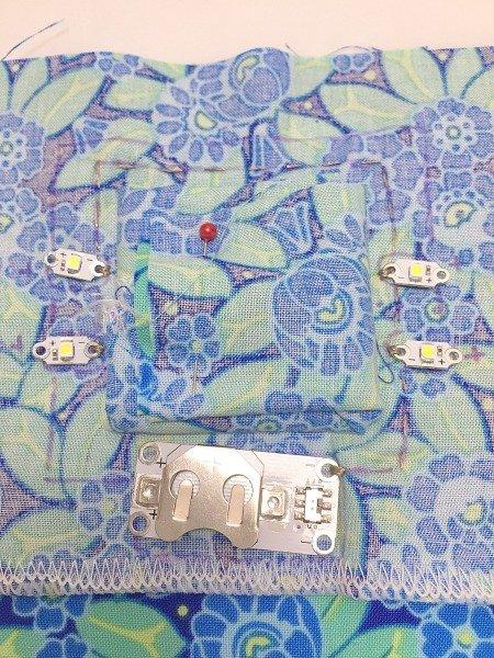 Mirror and lights make up bag to make