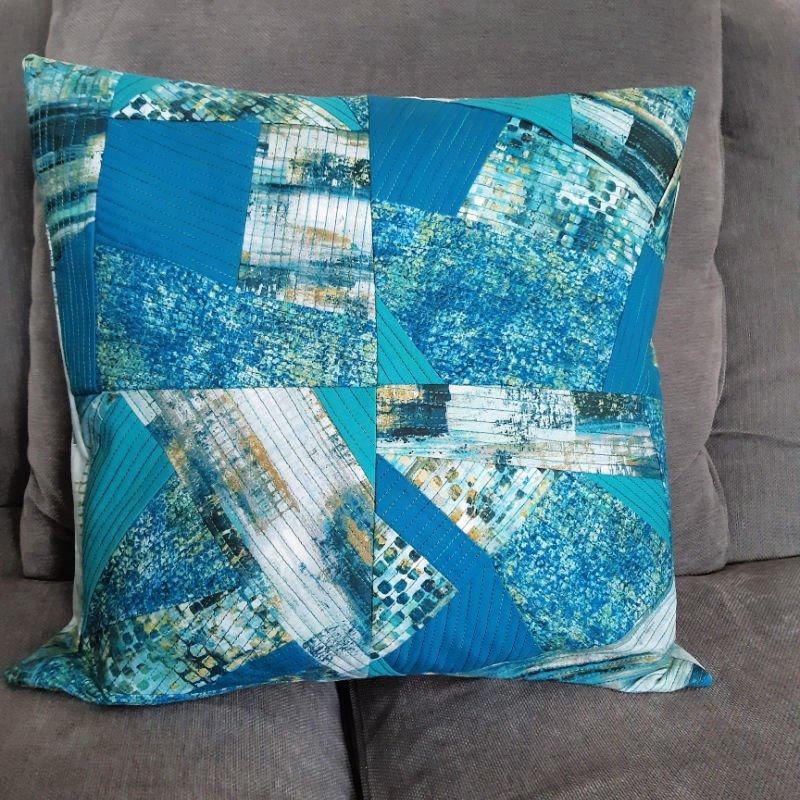 Improv patchwork cushion project