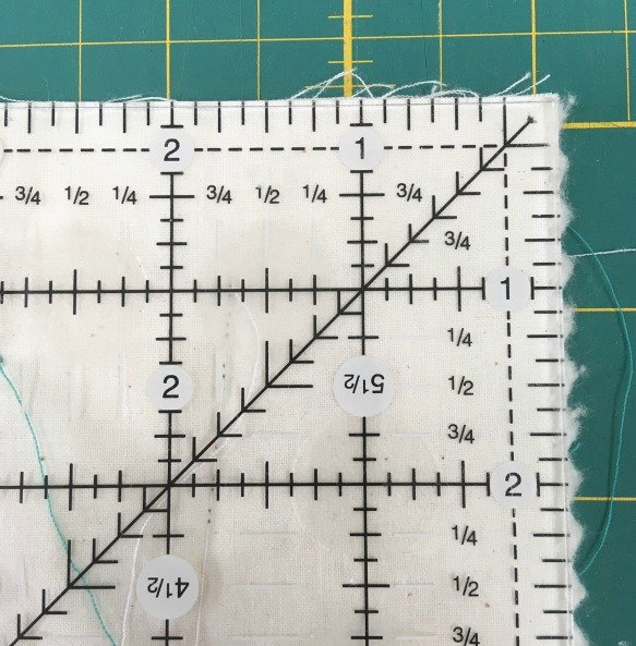 How to sew the corner of a quilt