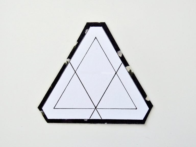 Create triangles for patchwork
