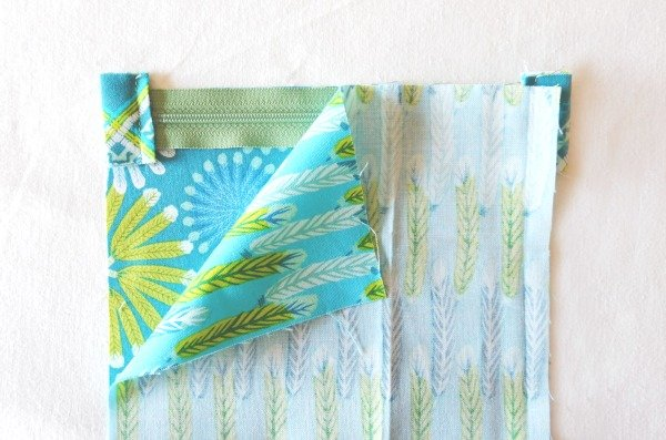 Project to sew a pouch with pyramid base