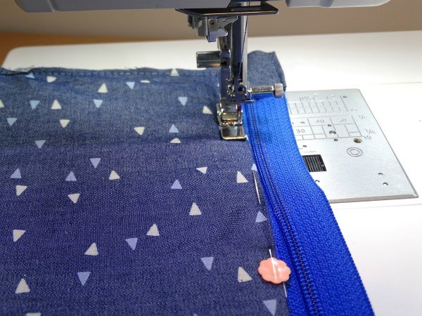 How to topstitch a zip