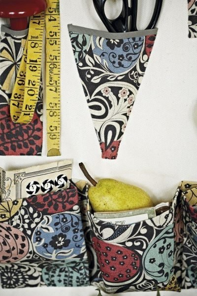 Hanging organizer for your sewing room tutorial