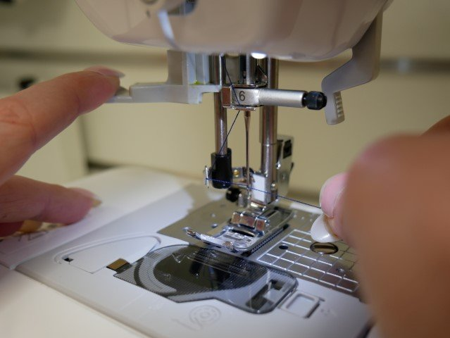 Universal guide to threading a sewing machine