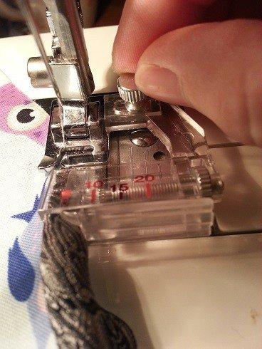 Adjusting a sewing machine foot