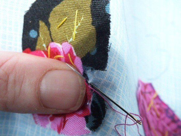 Turning a shape under for hand applique