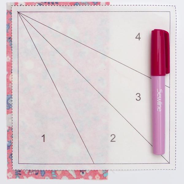 Modern paper piecing quilt block