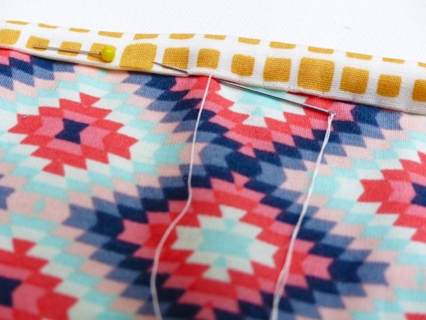 Hand sewing quilt binding
