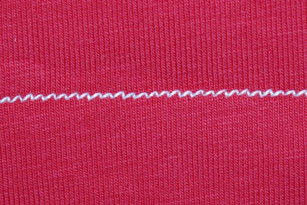 Best stitches for sewing knit fabrics
