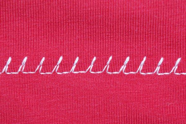 Sewing hems on jersey fabrics