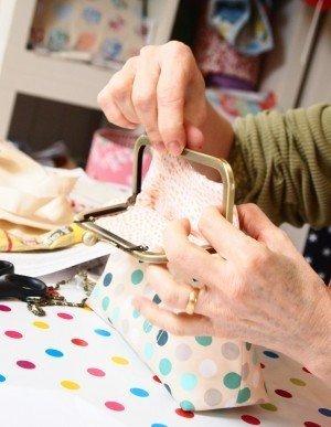 Sealing a bag clasp