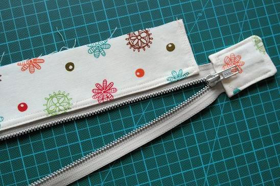 Zip closure for hand bags