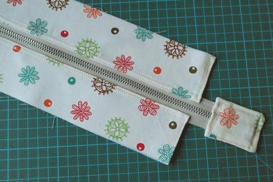 Adding a recessed zipper to a tote