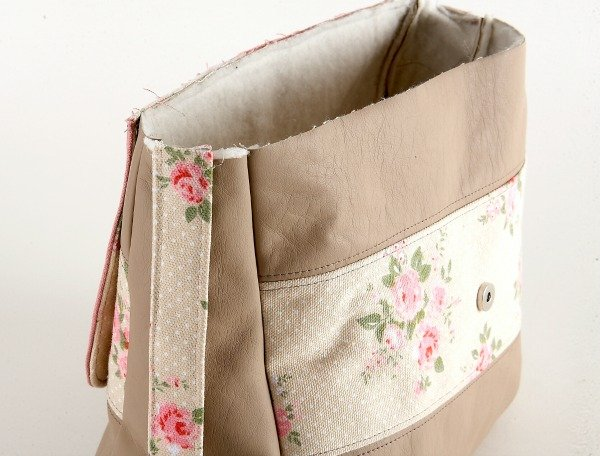 Adding strap to a bag