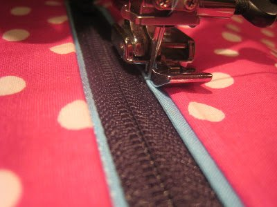 How to sew zips