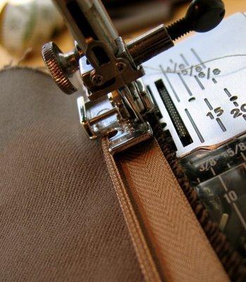 How to sew a hidden zip