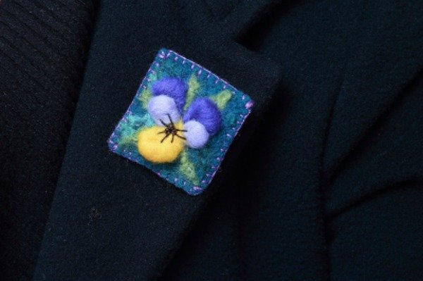 Pansy needle felted brooch project