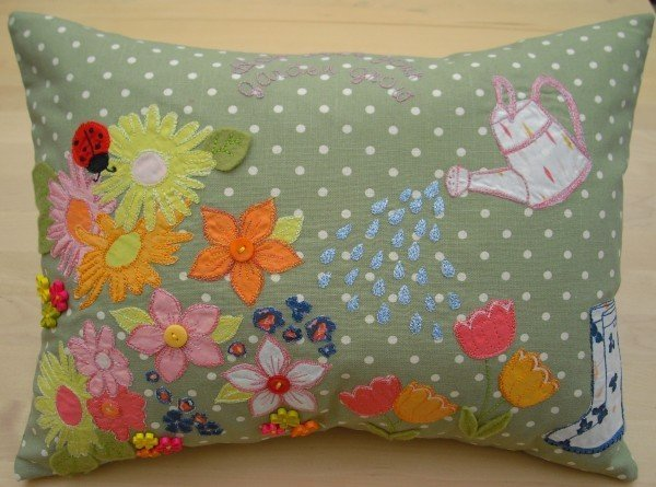 Flower applique sewing project