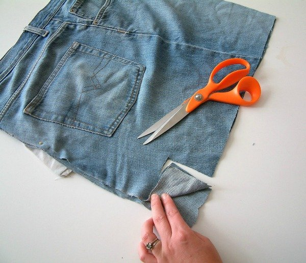 Upcycled denim bag - refashioned jeans tutorial