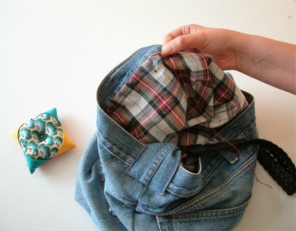 Sew a lined tote bag from upcycled jeans and shirt