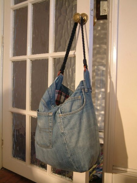 Free upcycled jeans handbag project