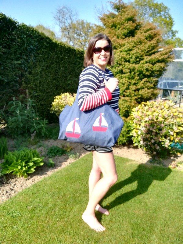 Free easy applique beach bag pattern