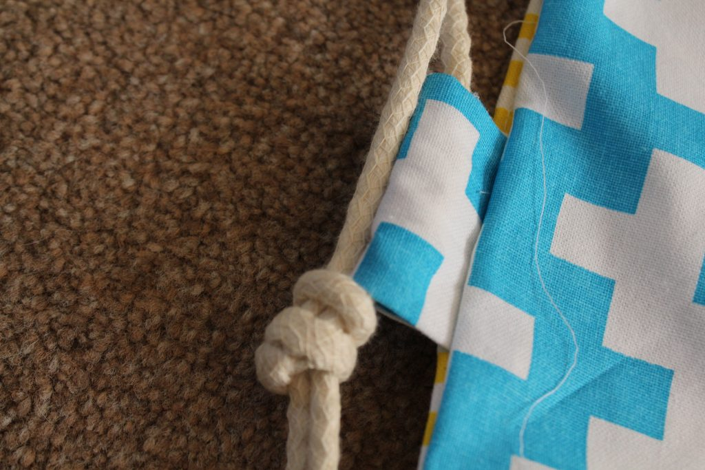 How to make a drawstring PE bag from tea towels