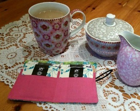 Small tea bag carrier case to make