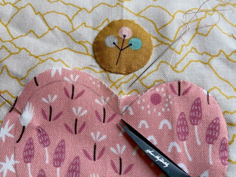 How to sew inner points when doing needle turn applique