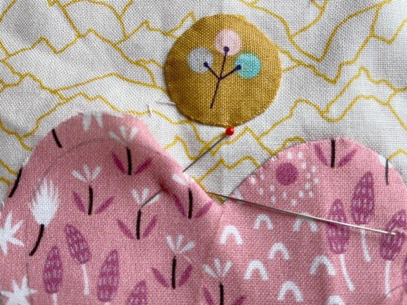 How to sew curves and points when doing needle turn applique